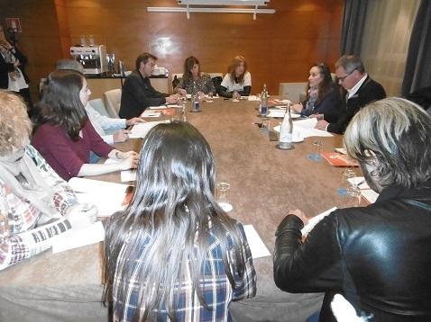 Reuniones de los Candidatos por Álava al Congreso y al Senado, Javier Lasarte y Julia Liberal